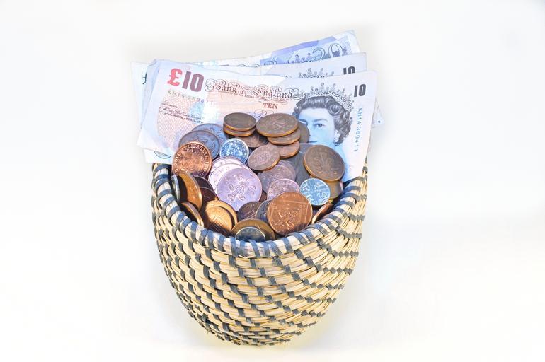 košíček s penězi